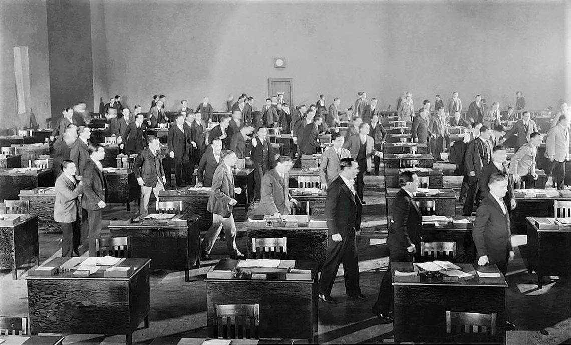 Büroszene in King Vidors The Crowd (1928)